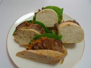 H26.1.28 焼き豚と人参サラダのサンド1