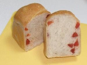 H26.2.27 いちごパン 1