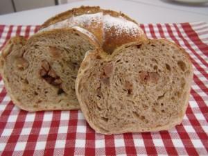 H27.9.27 ごまと栗のパン 4