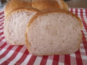 H29.4.11 いちごパン 3
