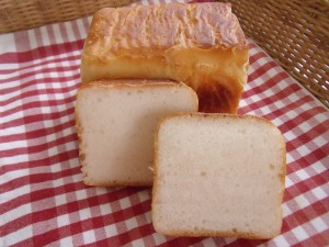 19.5.14 米粉のミニ食パン 5