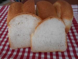 20.9.8 食パン 4